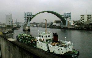 木津川の水門